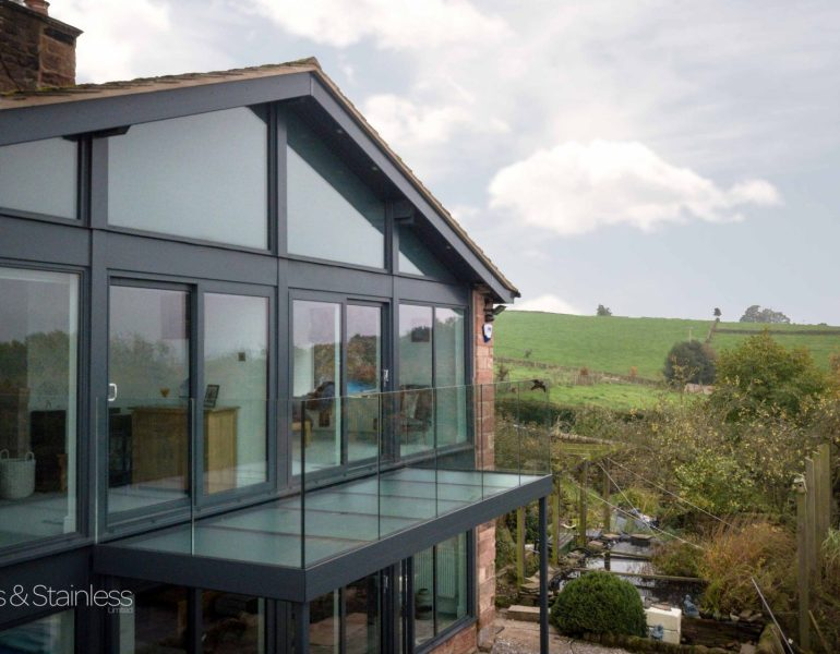 Farm balcony balustrade glass