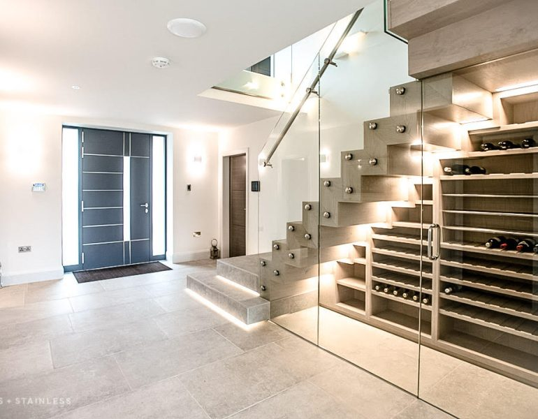 Glass staircase and partitions combined