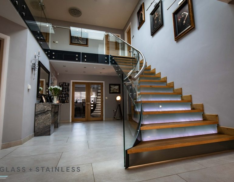 Sweeping curved glass balustrade